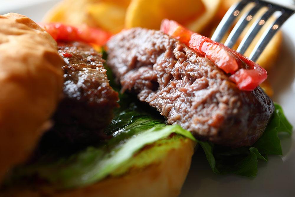 やみつきラム肉 100%ハンバーガー